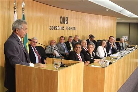 Emoção marca ato da OAB em homenagem a advogados de presos na ditadura